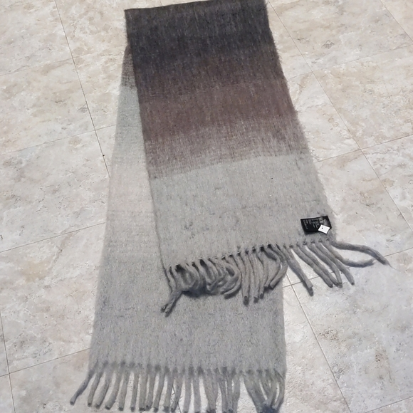 H & M fuzzy, cozy HUGE ombre scarf